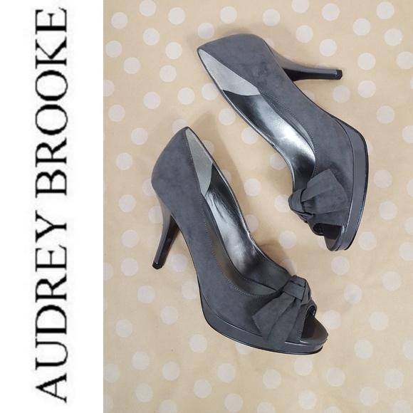 5bd1002f575 Audrey Brooke Shoes - NWOB AUDREY BROOKE Grey Suede Peep Toe Pumps